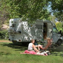 emplacement 6 amperes camping raguenes